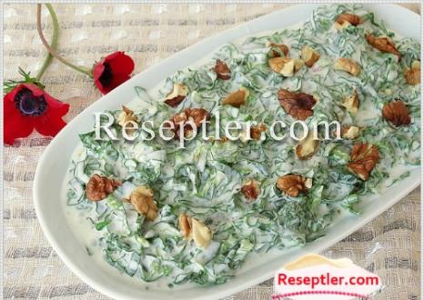 İspanaq Salatı