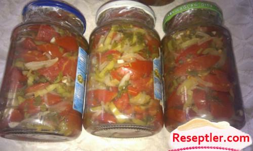 Qışlıq Doğranmış Pomidor Salatı